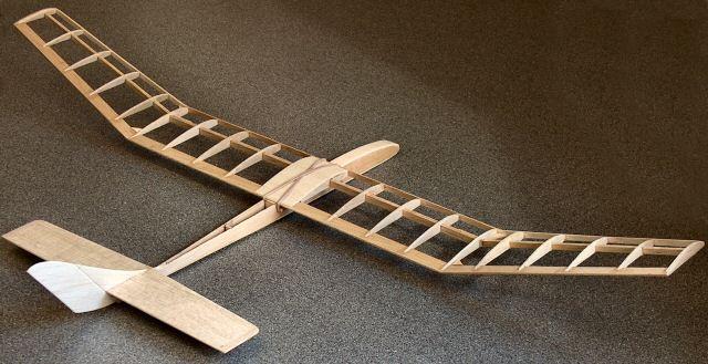 Scimitar free-flight glider